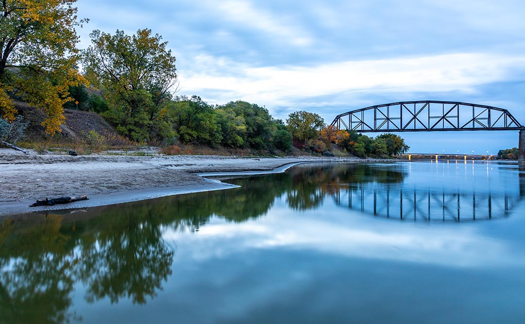 Missouri River in Bismarck shoreline